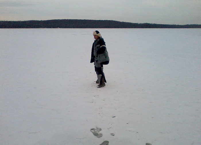 ice_fishing_little-lake_1.jpg