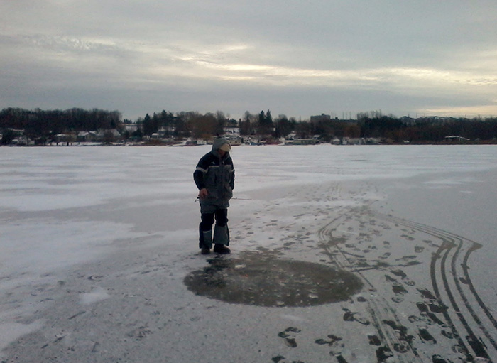 ice_fishing_little-lake_5.jpg