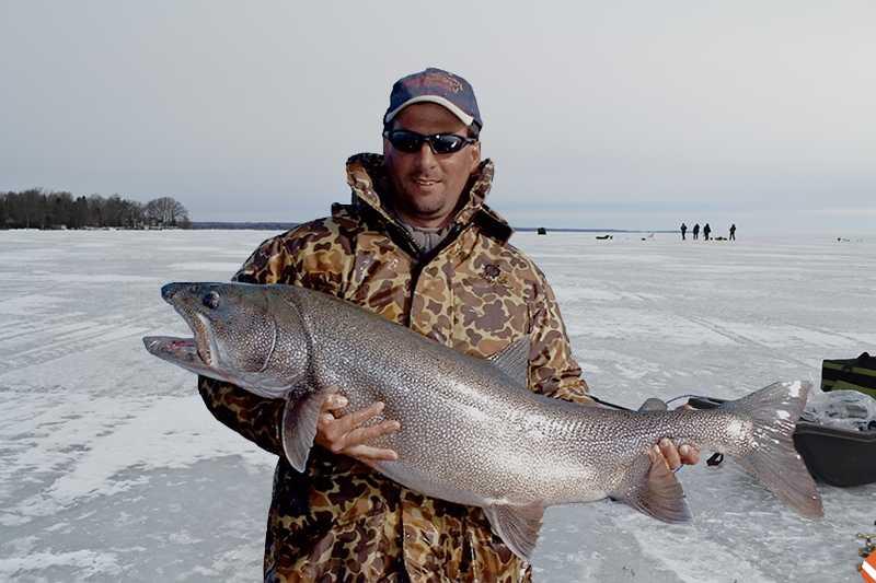 lake-simoe-30lbs-lake-trout.jpg