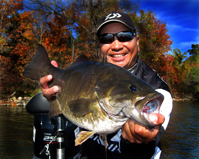 Dave Chong with 8.02 lbs Lake Simcoe Smallmouth Bass 2014